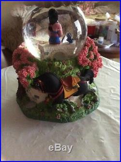 Disney Mulan Water Globe Snowglobe Beautiful Musical Rare Retired