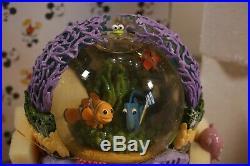 Disney PIxar FINDING NEMO Water Globe Musical and Motion Snowglobe