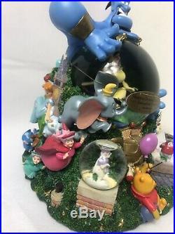 Disney Parade Aladdin Share a Dream Come True Musical Snow Globe in Box