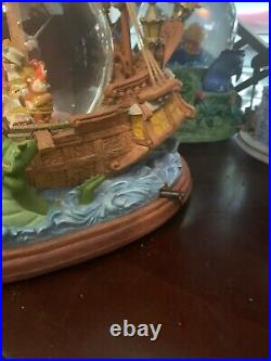 Disney Peter Pan and Captain Hook You can Fly Musical Snow Globe
