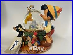 Disney Pinocchio Cleo Figaro Musical Snow Globe Toyland Moving 7 tall