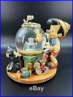 Disney Pinocchio Cleo Figaro Musical Snow Globe Toyland Victor Herbert with Box