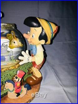 Disney Pinocchio Snowglobe Globe Plays Toyland By Victor Herbert Musical Globe