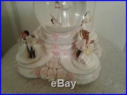 Disney Princesses Wedding Cake Musical Snow Globe