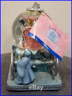 Disney Store Cinderella & Prince 50th Carriage Musical Snowglobe Coach Globe New