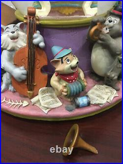 Disney The Aristocats Ev'rybody Wants to be a Cat Musical Snow Globe Piano