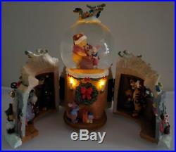 Disney Winnie The Pooh Family Winter Treehouse Musical Snowglobe Christmas Globe