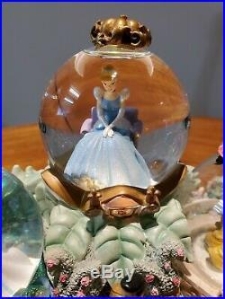 Fairy Tales DISNEY PRINCESS ARIEL CINDERELLA BELL SNOW GLOBE MUSIC BOX & LIGHTS