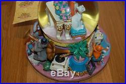NWT Rare Disney's Aristocats Musical Snow Globe