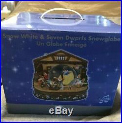 New In Box Disney Snow White And The Seven Dwarfs Snow Globe Musical Snowglobe