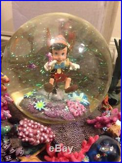 PINOCCHIO LOOKING FOR MONSTRO Under Sea Water Snow Globe Musical Disney Brahms