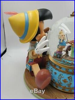 Pinnochio's Music Box Snow Globe in Original Box Plays the Tune Disney