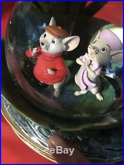 RARE Disney Store Snow Globe The Rescuers 30th Anniversary Retired MUSIC BOX