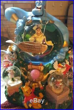 RETIRED Disney Parade Aladdin Share a Dream Come True Musical Snow Globe