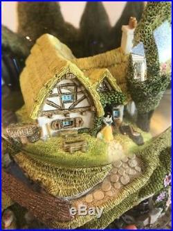 Rare Disney SNOW WHITE & THE SEVEN DWARFS Musical Snow Globe Dwarfs Jewel Mine