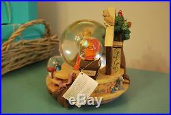 Rare Disney Sleeping Beauty Aurora Musical Snow Globe Music Box