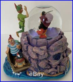 Super RARE Disney Peter Pan & Captain Hook Snow Globe With Music