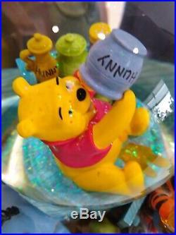Vtg Disney Winnie the Pooh Honey Pot Tigger Eeyore Musical Snow Globe Retired