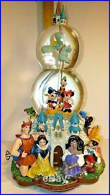 Walt Disney World A Magical Gathering Musical Double Snow Globe Castle Lights Up